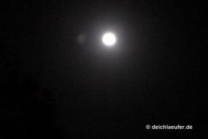 Dunkel war`s, der Mond schien helle