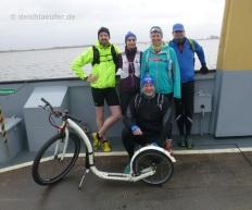 Gruppenbild mit Bike