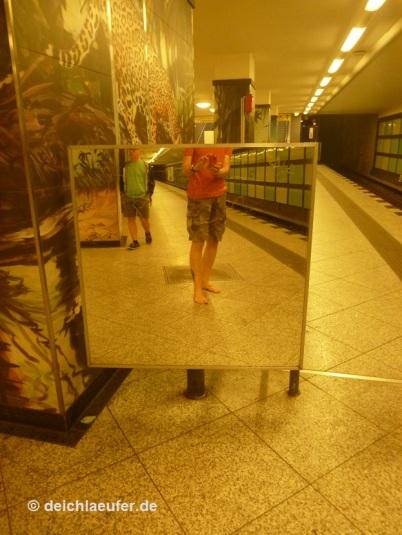 Mit der U-Bahn zum Hafenfest