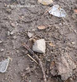Steine und Scherben, beides nicht schön