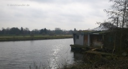 Nr. 2 von zwei Hausbooten in Oldenburg
