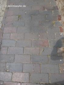 geklinkerte Bürgersteige, sehr angenehm