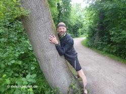 Lieber Bäume umarmen als niemanden, war nicht meine Idee :razz: